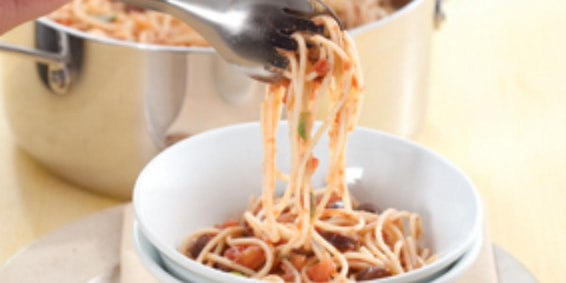 Colomba Pascal: Espaguete à Putanesca