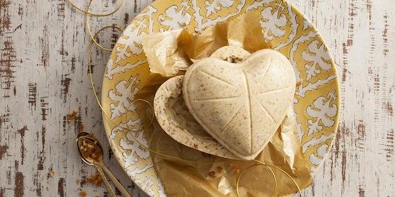Receitas de Ovos de Páscoa: Ovo Branco com Crocante de Amêndoas e Erva-doce