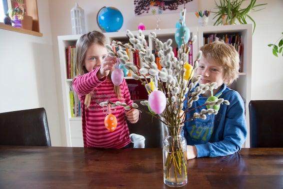 Decoração de Páscoa: Árvore com enfeites para mesa de Páscoa